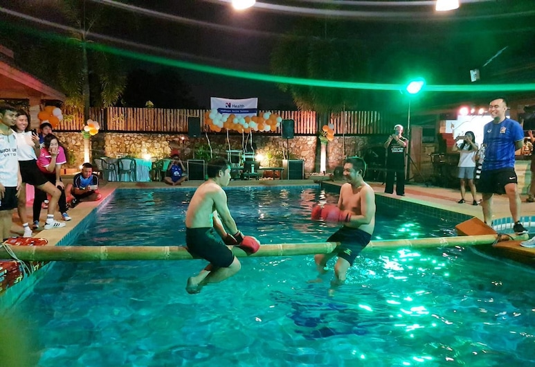 Baan Tong Tong Pattaya Resort, Pattaya, Theater Show