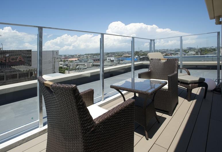 Breath Hotel, Fujisawa, Žemesnės liukso klasės numeris, vaizdas į vandenyną (Ocean Side, Top Floor), Balkonas