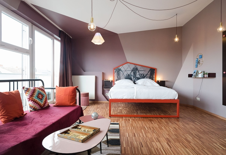 The Circus Hostel, Berlin, Studio Apartment, kitchen, private bathroom, Living Area