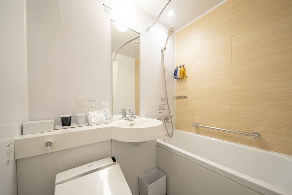 חדר סטנדרט טווין, 2 מיטות יחיד, ללא עישון (B) - חדר רחצה