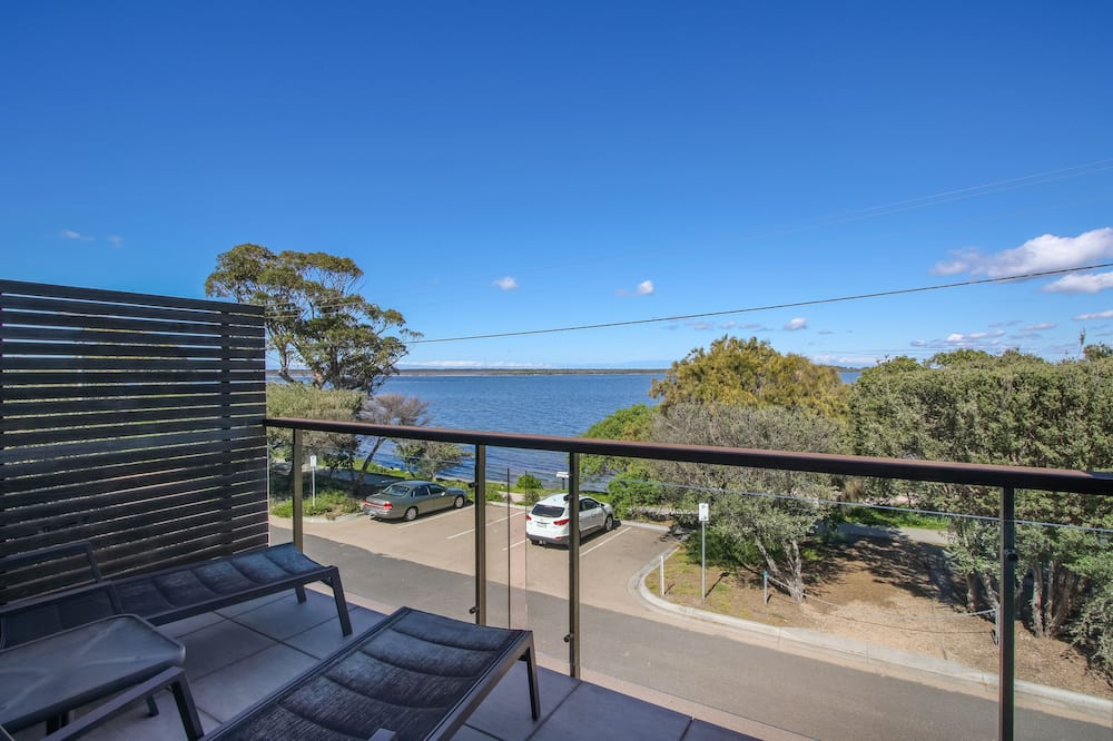 Two Bedroom Lake View Apartment - Balcony