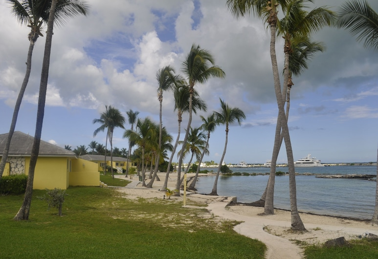 Abaco Getaway by Living Easy Abaco, Marsh Harbour, Leilighet, 2 soverom, Strand