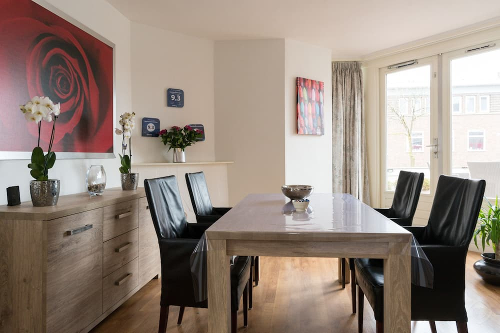 Apartment, 2 Bedrooms, Terrace, City View - In-Room Dining