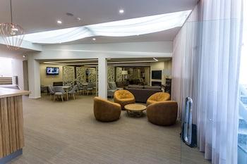 Hotel Clique Calgary Airport