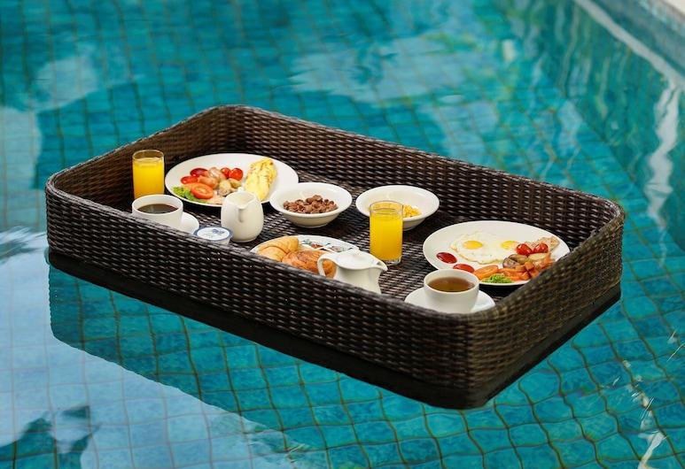 Bajra Bali Villa, Seminyak, Área para refeição ao ar livre
