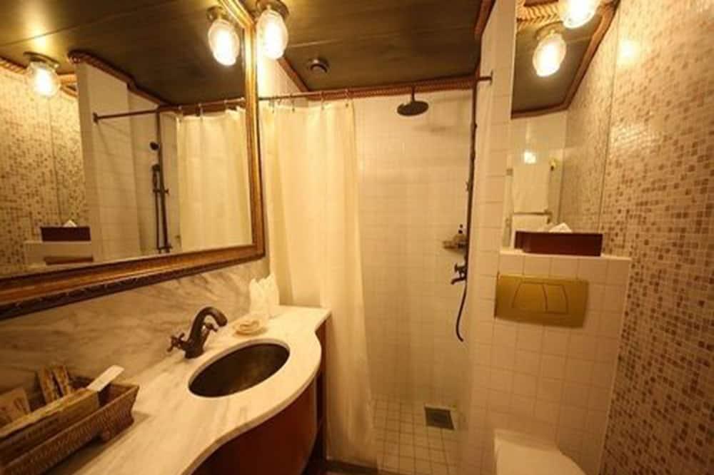 Deluxe Room with Balcony City View - Cuarto de baño
