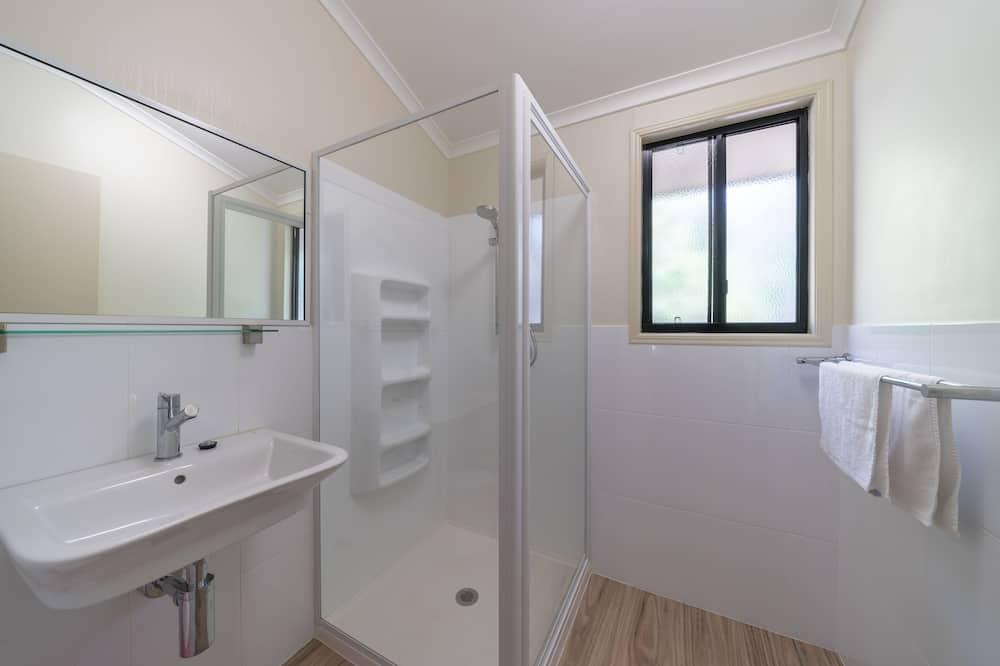 アパートメント (2 ベッドルーム) - バスルーム