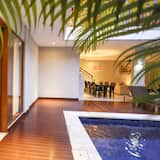 One Bedroom Villa with Floating Breakfast - Guest Room View