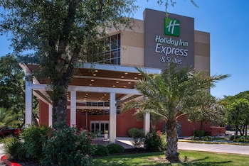 Picture of Holiday Inn Express & Suites San Antonio Medical-Six Flags in San Antonio