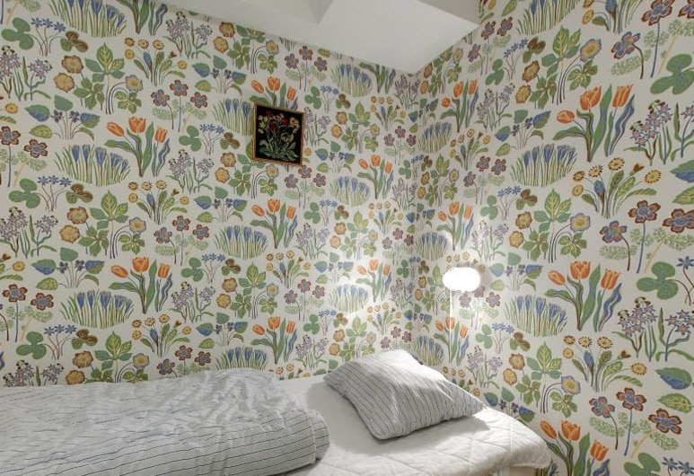 Hostel Bed and Breakfast, Stockholm, Twin Room, Shared Bathroom, Guest Room