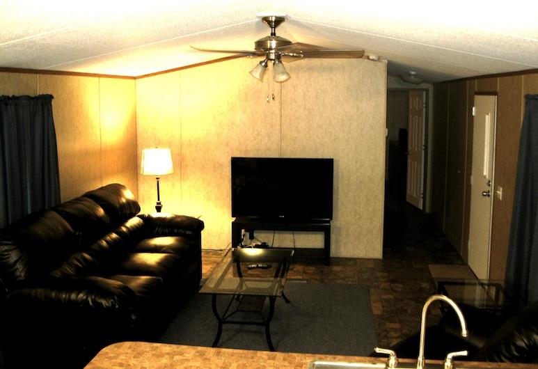 Eagle Ford Lodging, Pleasanton, Suite, 2 chambres, cuisine, Salle de séjour