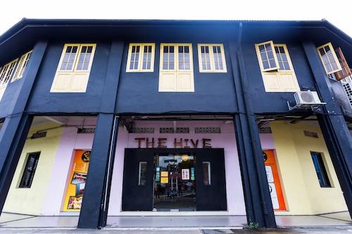 蜂巢新加坡青年旅舍/