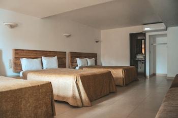 Фото Hotel Latino у місті Гвадалахара