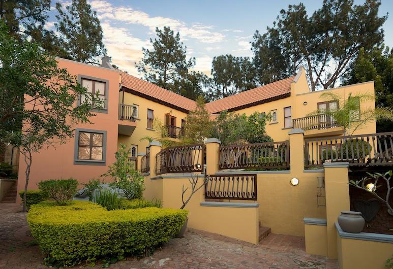 Mont d'Or Bohemian House, Pretoria, Hotel Front