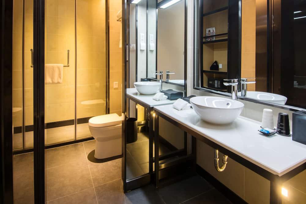 aloft, Chambre Ville, 1 très grand lit, vue ville - Salle de bain