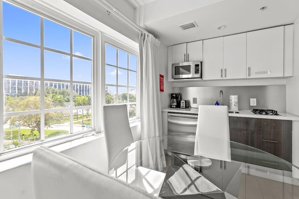 Phòng Suite dành cho gia đình, 1 phòng ngủ, Bếp - Khu phòng khách