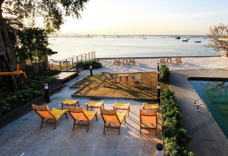 Balcony Seaside Sriracha Hotel & Serviced Apartments, Si Racha, Terrace/Patio