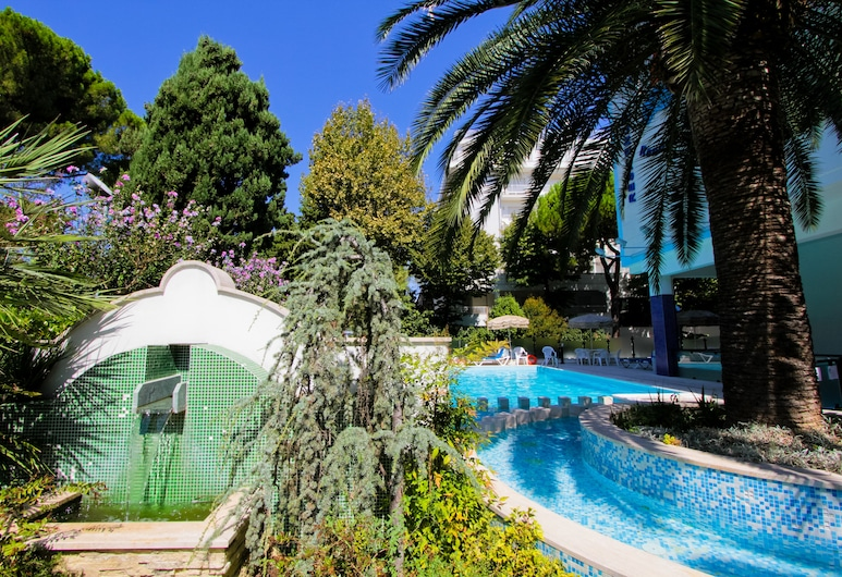 Holiday Rendez Vous, Pineto, Outdoor Pool