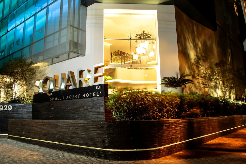 Square Small Luxury Hotel Guadalajara Front Evening Night