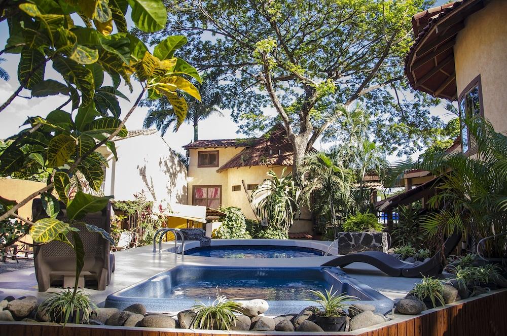Hotel Mamiri Tamarindo