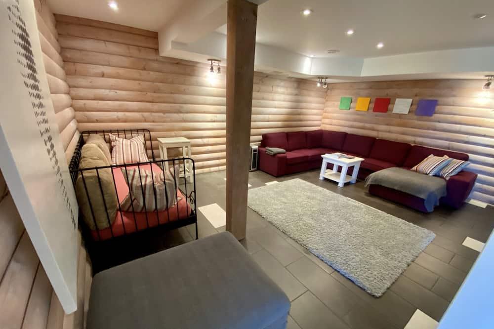 Family Suite, 2 Bedrooms, Ground Floor - Living Room