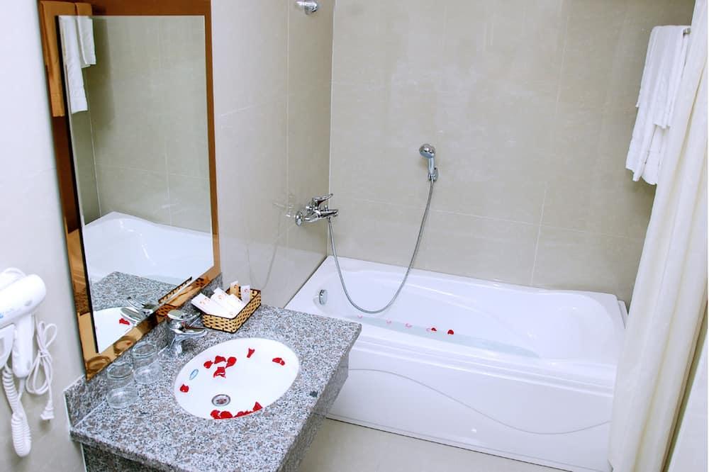 Superior-Zimmer, 2Einzelbetten - Badezimmer