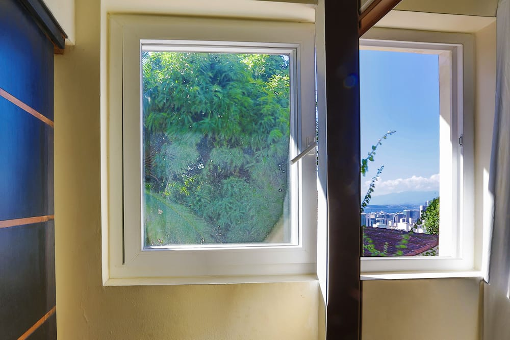 Shared Dormitory, Mixed Dorm, Shared Bathroom (10 beds) - Guest Room View