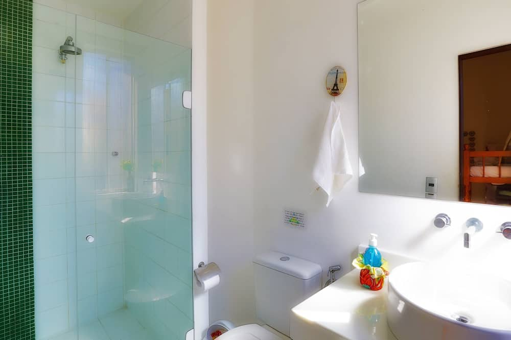 Superior Quadruple Room, Private Bathroom - Bathroom