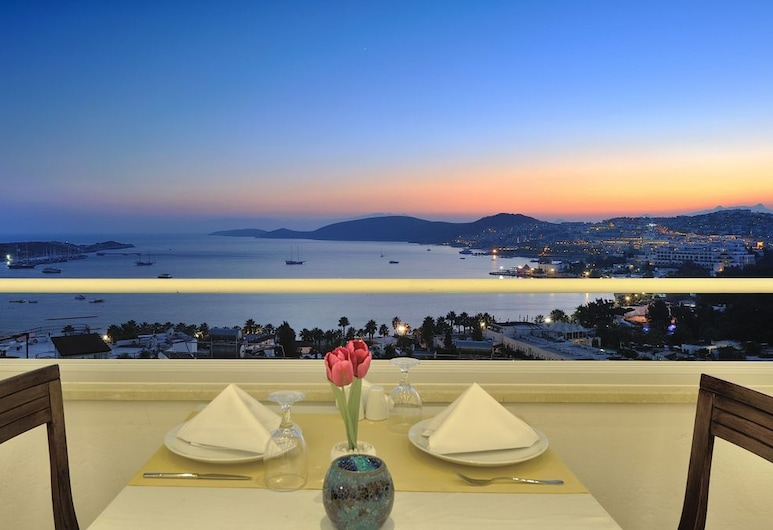 The Best Life Hotels Gumbet Hill - All Inclusive, Bodrum, Outdoor Dining