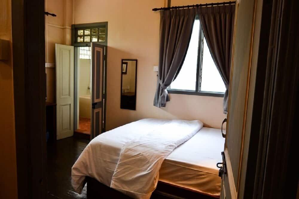 Mezzanine Room  - Guest Room