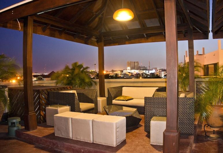 Tropical Enclave Hotel, Accra, Terrace/Patio