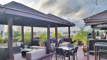 Picture of Tropical Enclave Hotel in Accra