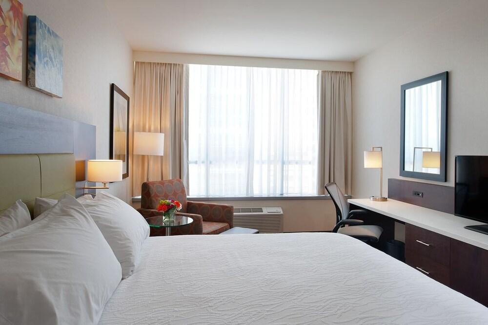 hilton garden inn pittsburgh downtown pittsburgh suite 1 king bed non smoking - Hilton Garden Inn Pittsburgh Downtown