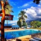 Wahoo Bay Beach Club & Resort