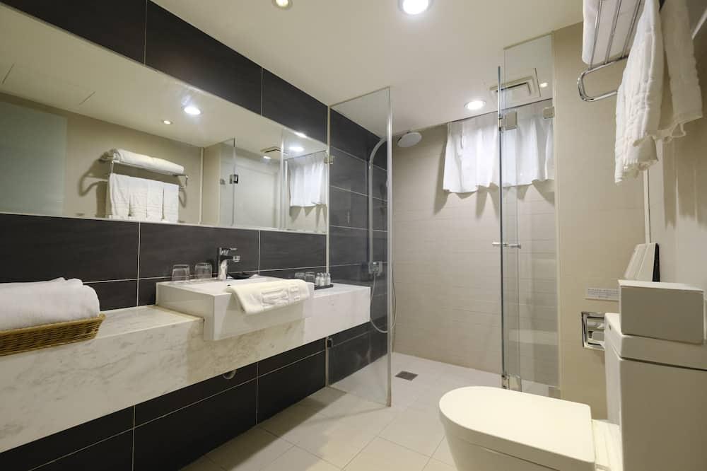 家庭四人房 - 浴室