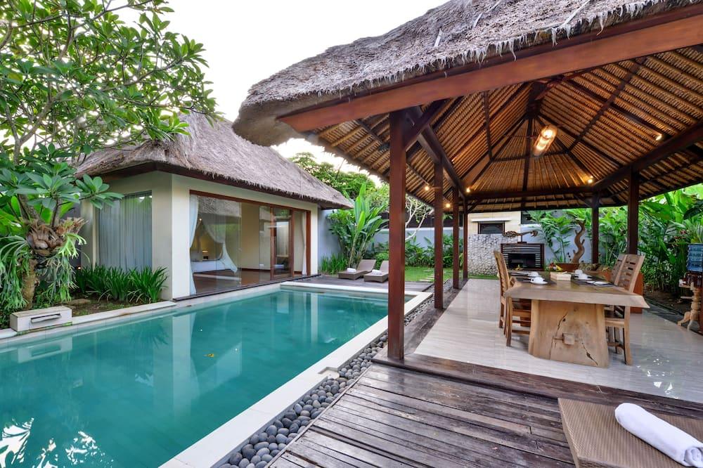 Deluxe Villa, 2 Bedrooms, Pool View - Living Area