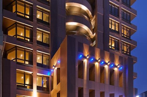 โรงแรมลาวิดา/