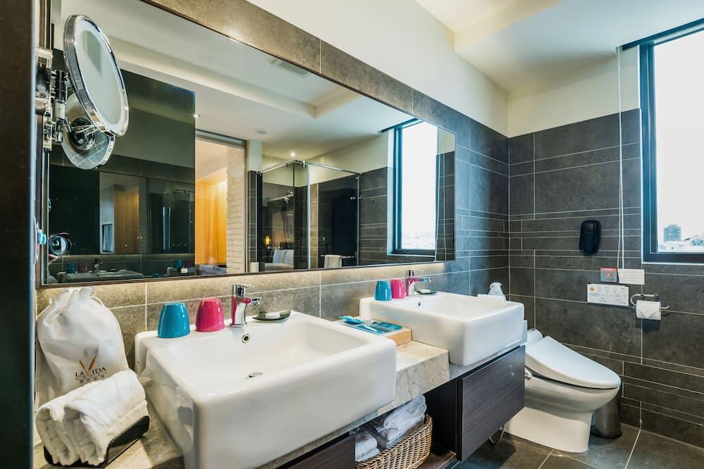 Habitación cuádruple familiar, 2 camas Queen size, bañera - Baño