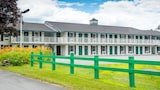 Picture of Colonnade Inn in Lyndonville