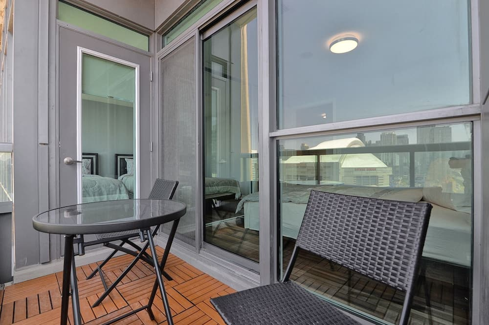 Penthouse, 3 Bedrooms, 2 Bathrooms (CN Tower view) - Balcony