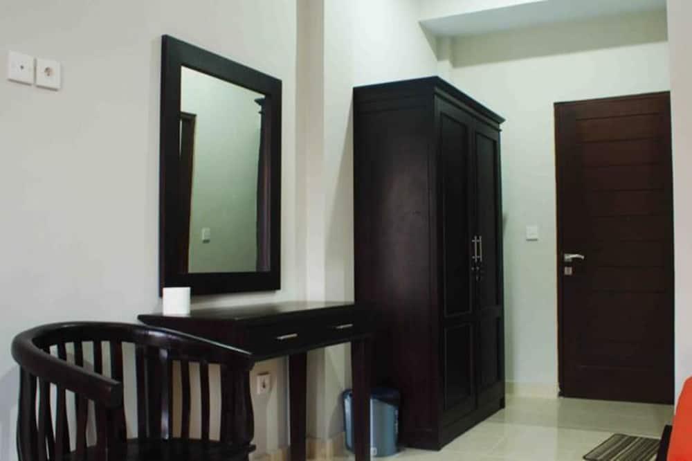 Twin Room (with AC) - Ruang Tamu