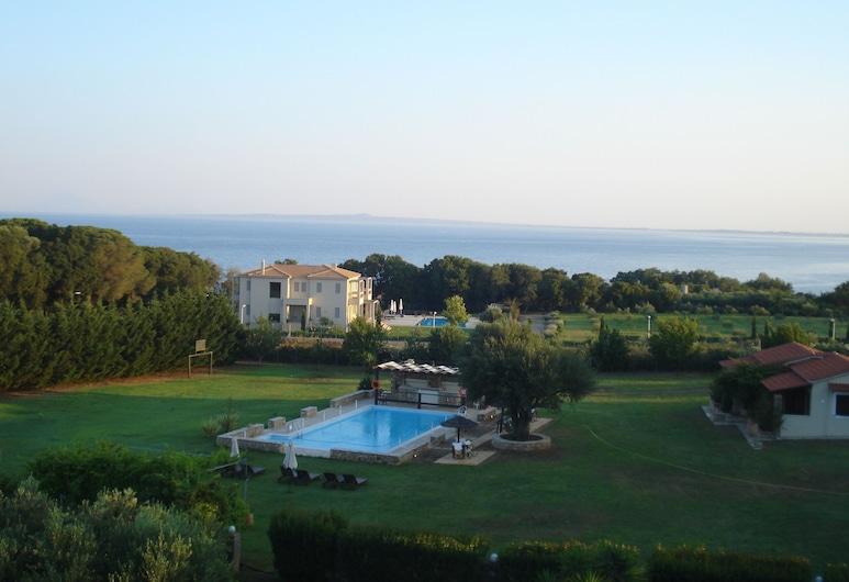 Villa Georgina, Pyrgos, Cảnh từ trên cao