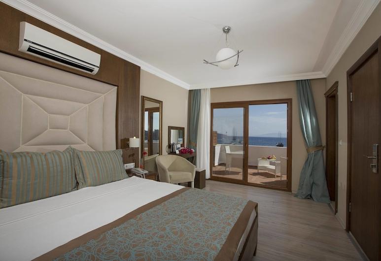 Akkan Luxury Hotel, Bodrum, Suite, Terrace, Guest Room