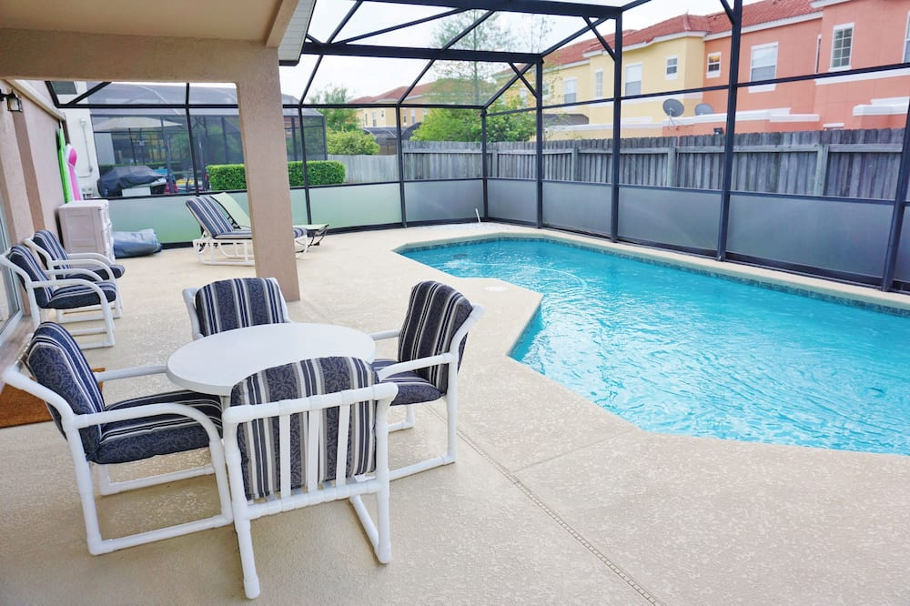 Lake Berkley Chic Home, 4 Bedrooms, Private Pool - Lake Berkley - Indoor Pool
