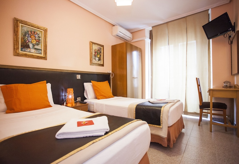 C. H. Chelo, Madrid, Standard Twin Room, Guest Room