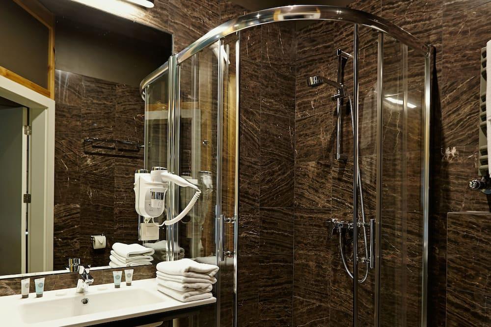 Apartment, Balcony - Bilik mandi