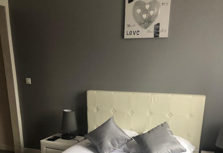 Roissy Chambres, Roissy-en-France, Comfort-Doppelzimmer, eigenes Bad, Gartenblick, Zimmer