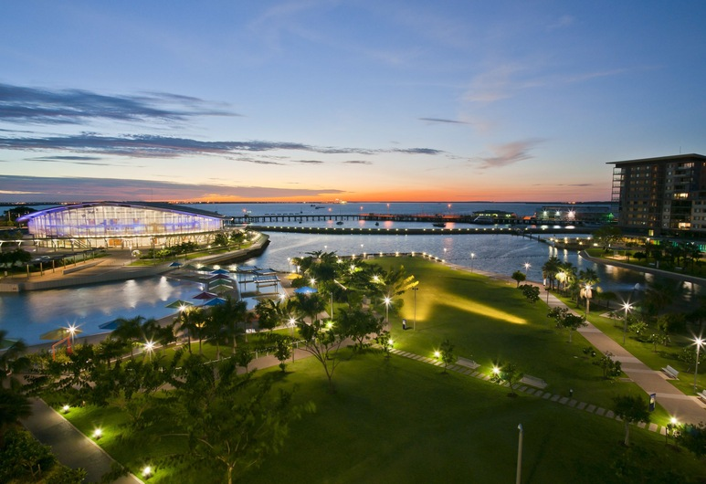 Darwin Waterfront Luxury Suites, Darwin, Front of property - evening