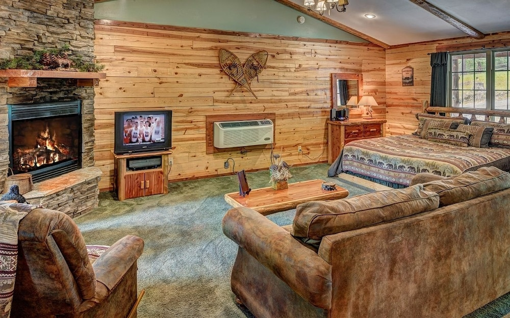 image the woods gallery in inn eureka hotel this property booking com us of cabins arkansas springs ar