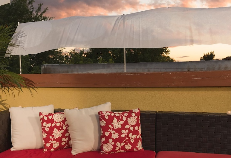 Le Philémon - Bed & Breakfast, Gatineau, Terassi/patio